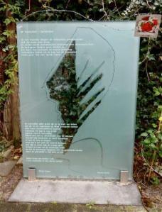 DURCHSKAMIN monument. lichter jpg