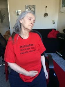 Rode t- shirt zwarte letters