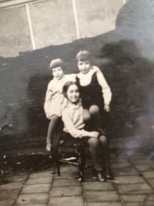 hanny-met-vriendinnetjes-1931