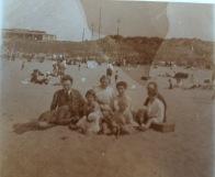 dagje strand ijmuiden met grootouders Kool 1924